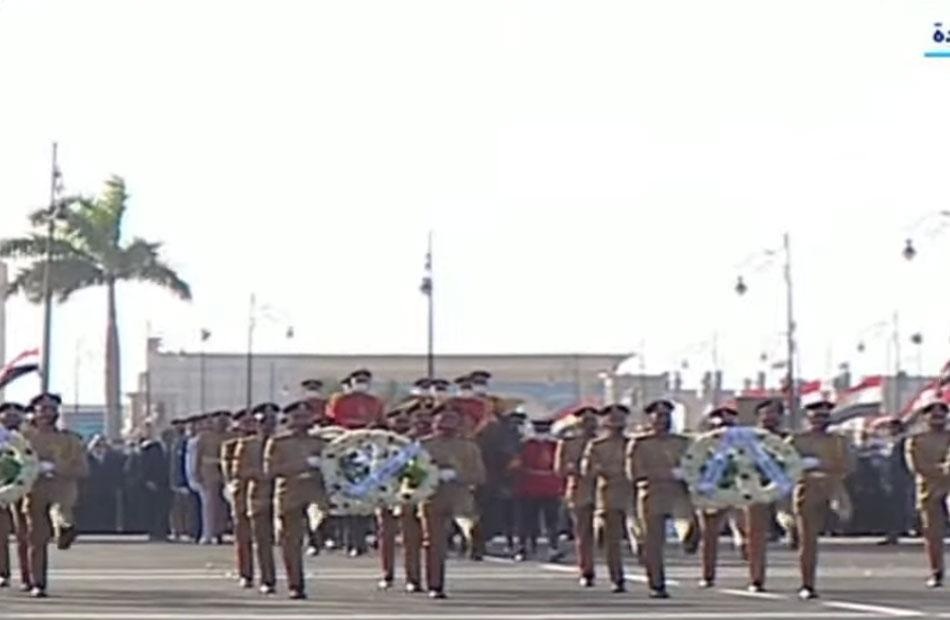 في مشهد مهيب تشييع جثمان المشير طنطاوي بجنازة عسكرية يتقدمها الرئيس السيسي |صور