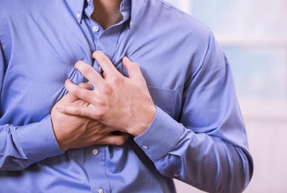 الأزمة القلبية أطباء يوضحون أسباب حدوثها وأستاذ تغذية يحذر من  أطعمة تصيبك بها