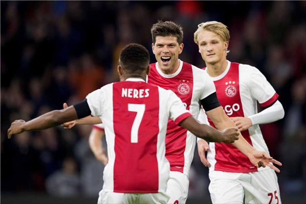 أياكس يكتسح فورتونا سيتارد بخماسية وينفرد بصدارة الدوري الهولندي