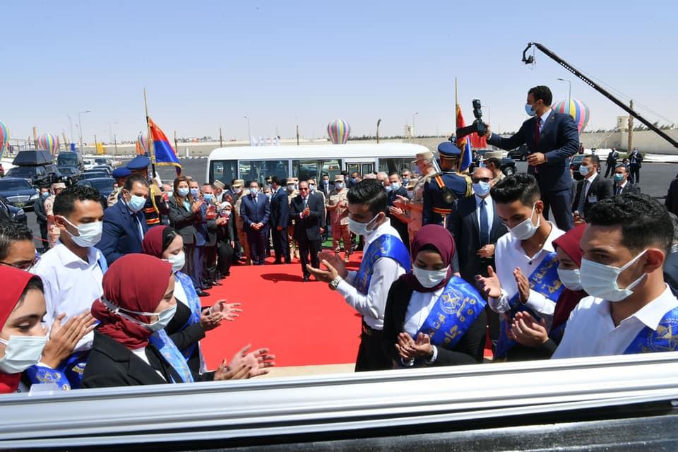 صور افتتاح  الرئيس السيسي  عدد من المشروعات القومية بشبه جزيرة