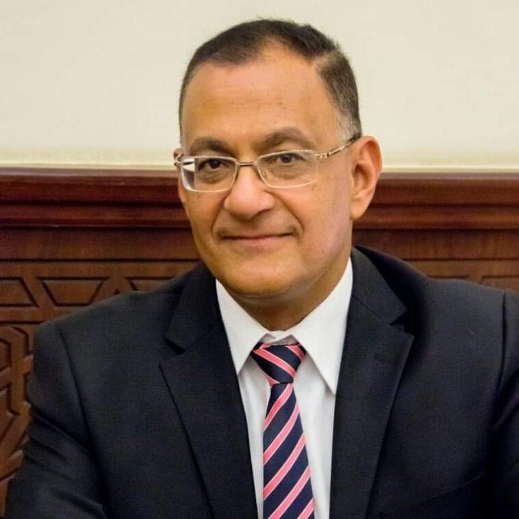 الدكتور أحمد دياب استشاري التغذية العلاجية