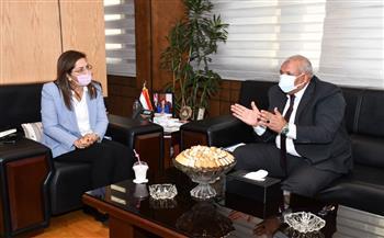 وزيرة-التخطيط-تناقش-مشروعات-محافظة-الوادي-الجديد-بخطة-العام-الجاري-