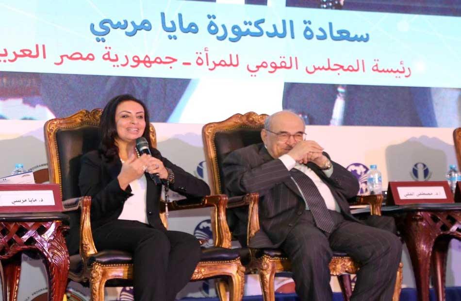 مايا مرسي تحذر من تواجد الأطفال على مواقع التواصل الاجتماعي لفترات طويلة |صور