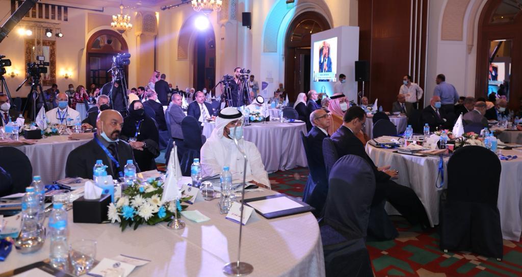 مايا مرسي تحذر من تواجد الأطفال على مواقع التواصل الاجتماعي لفترات طويلة