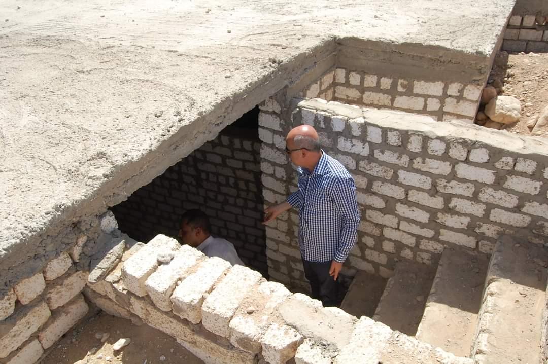 السكرتير العام لسوهاج يتفقد الأعمال الإنشائية بمقابر أخميم الجديدة بحى الكوثر