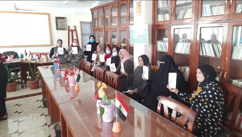 ندوة صحية للعاملات بحي المناخ في بورسعيد