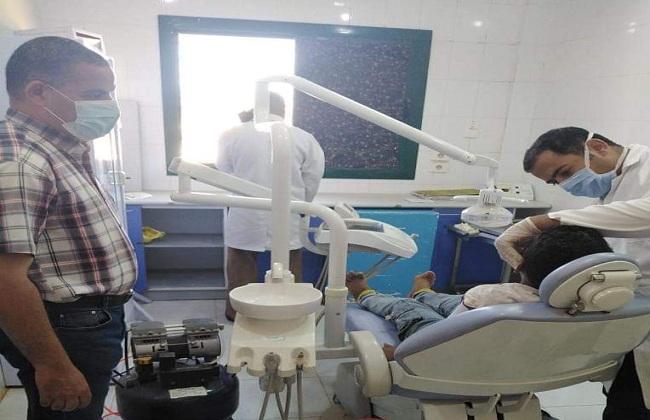 الكشف على  مواطنين في قافلة طبية ببني سويف