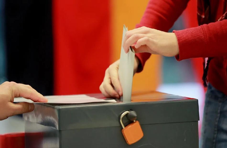 الانتخابات الألمانية أميرة وياسمين ونهى مرشحات من أصول مصرية وعربية فهل ينجحن في دخول ;البوندستاج;؟