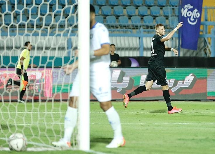 كأس مصر بيراميدز يتخطى سموحة بثلاثية وينتظر الفائز من الأهلي وإنبي