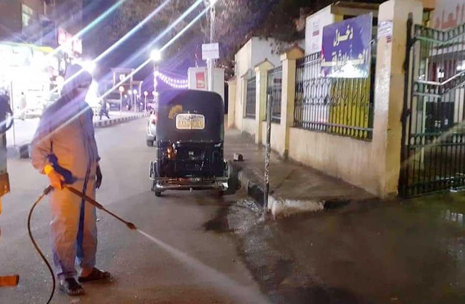تطهير وتعقيم شوارع طهطا ضمن الإجراءات الاحترازية لمواجهة فيروس كورونا