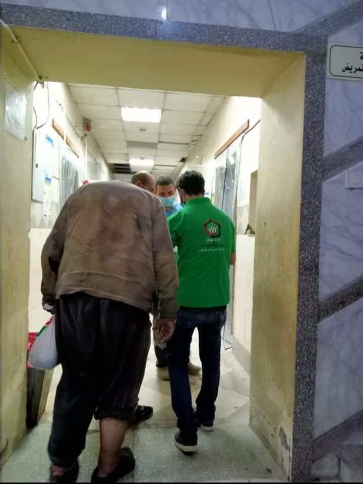 إنقاذ مسن بلا مأوى يفترش الرصيف بمدينة بدر