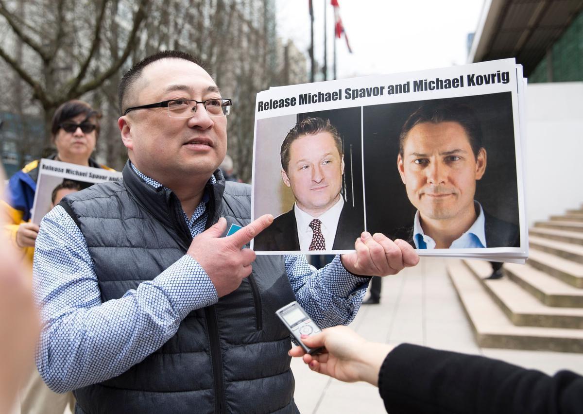 ترودو المواطنان المحتجزان في الصين في طريقهما للعودة إلى كندا