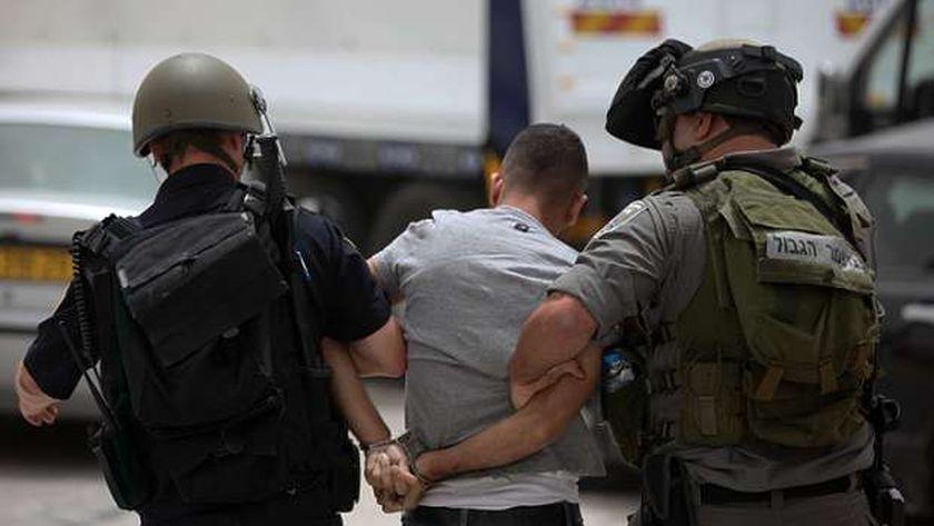 قوات الاحتلال الإسرائيلي تعتقل  فلسطينيين قرب باب العامود بالقدس المحتلة