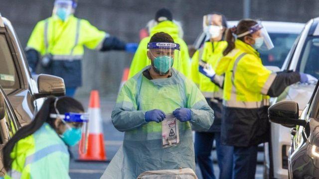 ولاية فيكتوريا الأسترالية تسجل أكثر من ألفي حالة إصابة بكورونا لأول مرة