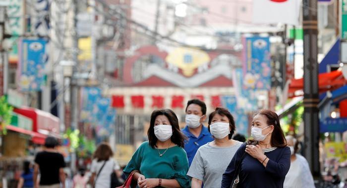 اليابان تدعو مرضى كورونا المتعافين للتحصين مرتين ضد الفيروس