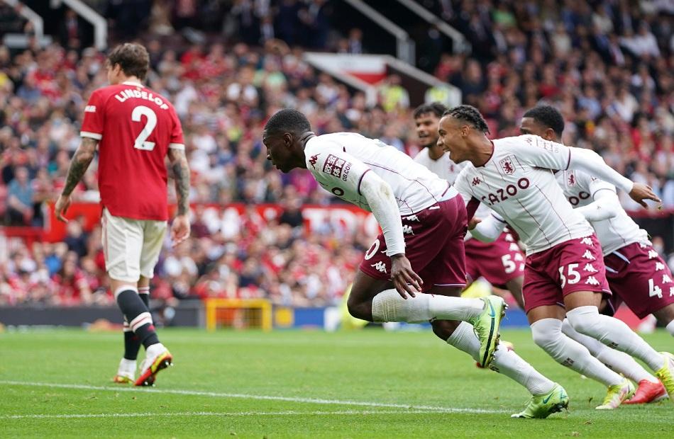 مانشستر يونايتد يخسر من أستون فيلا على ملعبه بالدوري الإنجليزي