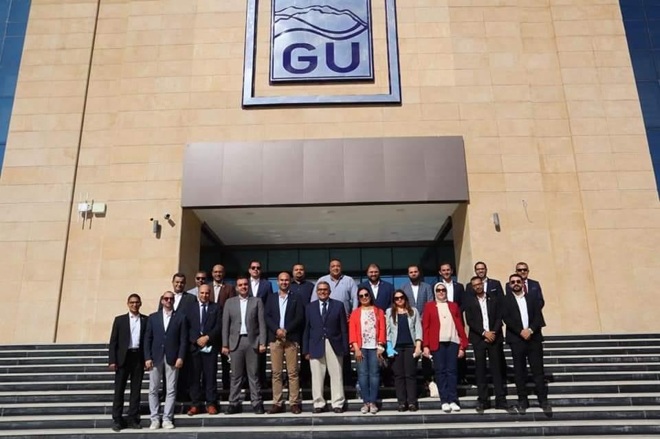 أعضاء مجلس الشيوخ عن تنسيقية شباب الأحزاب يزورون جامعة الجلالة | صور