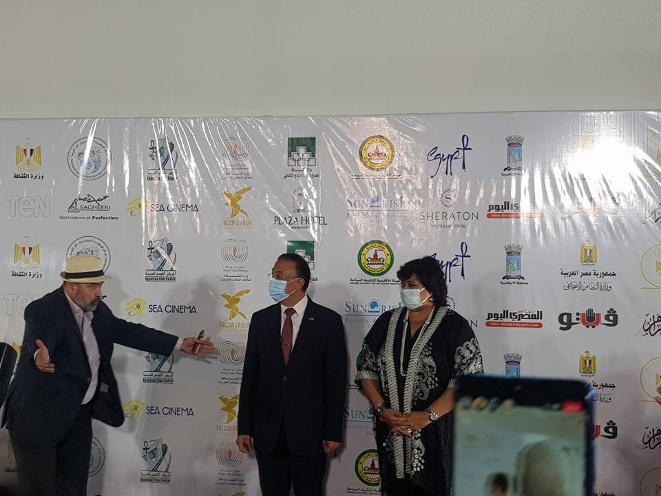 وصول وزيرة الثقافة ومحافظ الإسكندرية حفل افتتاح  مهرجان الإسكندرية السينمائي    صور