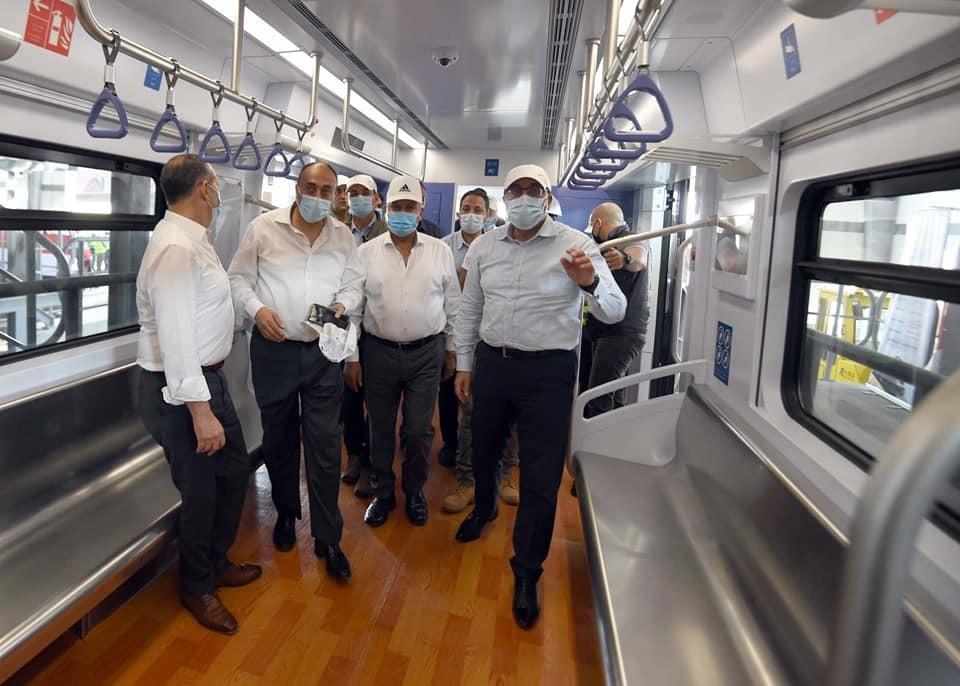 جولة رئيس الوزراء في مشروع القطار الكهربائي الخفيف (LRT)