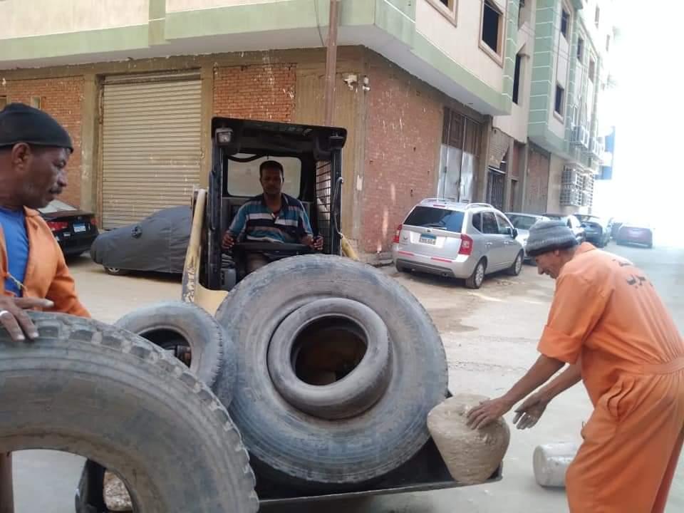 حملة رفع إشغالات بشارع كورنيش النيل بحى غرب سوهاج