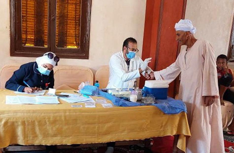 تفاصيل إجراء الفحص الطبي الشامل على المنتفعين بالإسماعيلية | صور