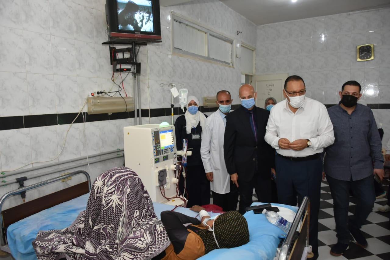 محافظ الشرقية يتفقد مستشفى الصنافين التكاملي | صور