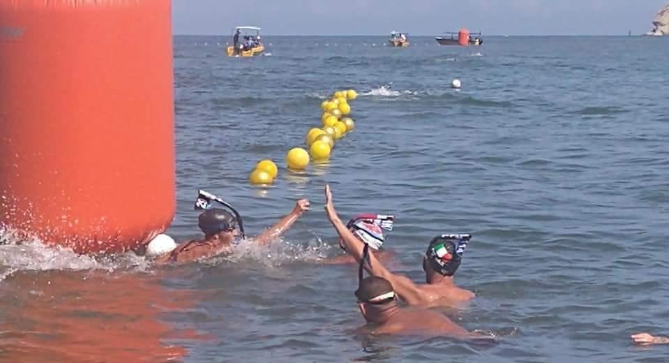 منتخب مصر يحقق ذهبية سباق التتابع في بطولة العالم للسباحة بكولومبيا