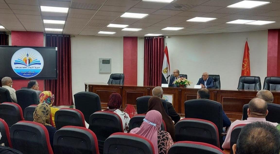 محافظ بورسعيد يستعرض استعدادات العام الدراسي الجديد| صور