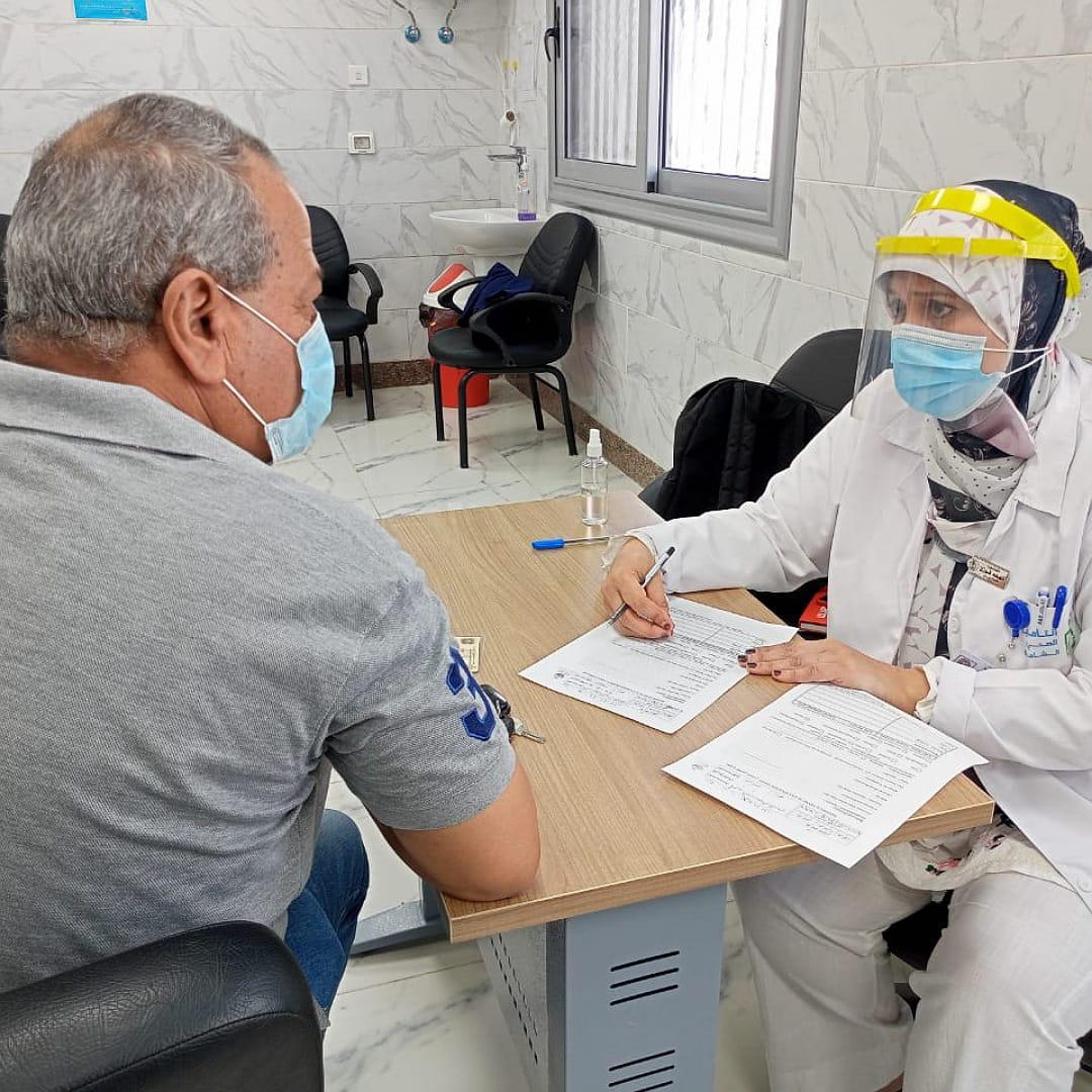 إجراء الفحص الطبي الشامل على المنتفعين بالإسماعيلية