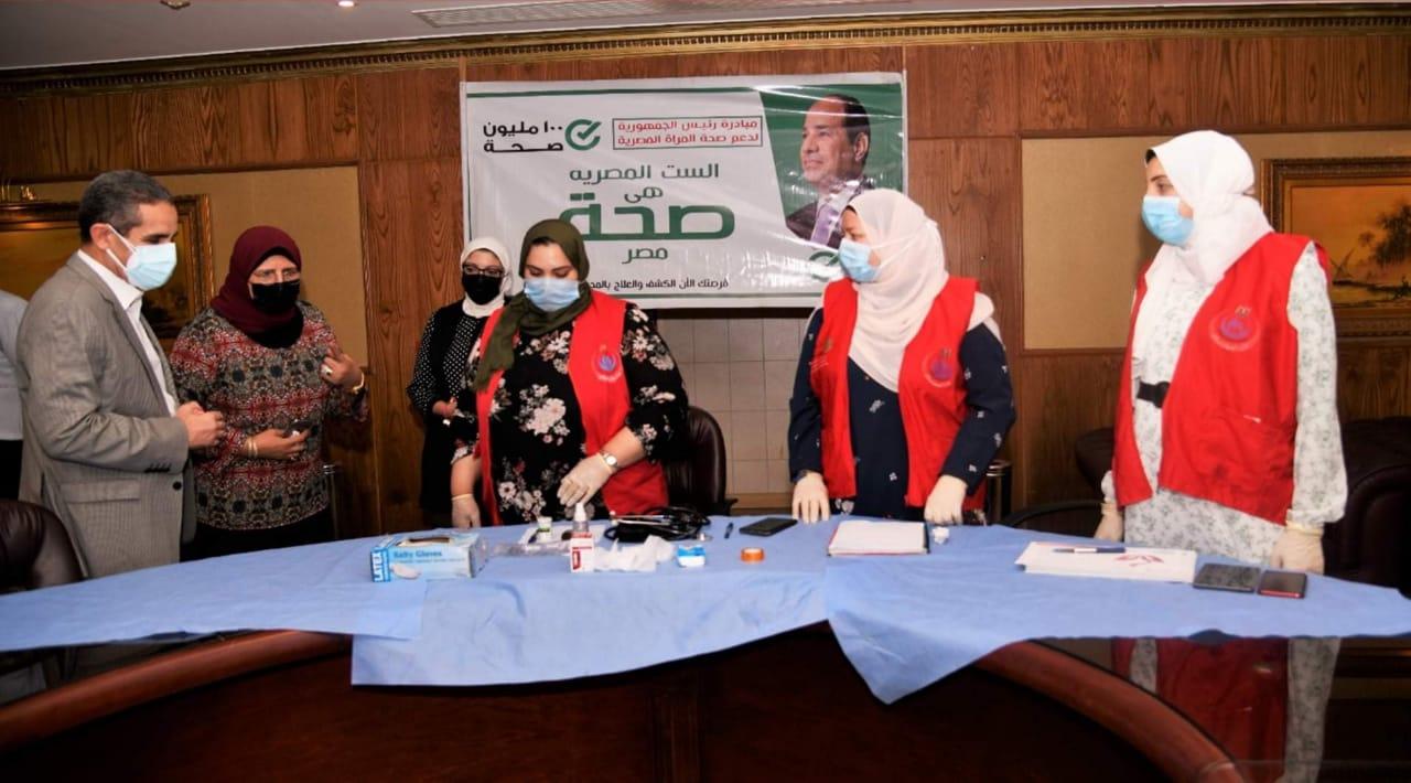 محافظ الغربية يتابع عملية اللقاح