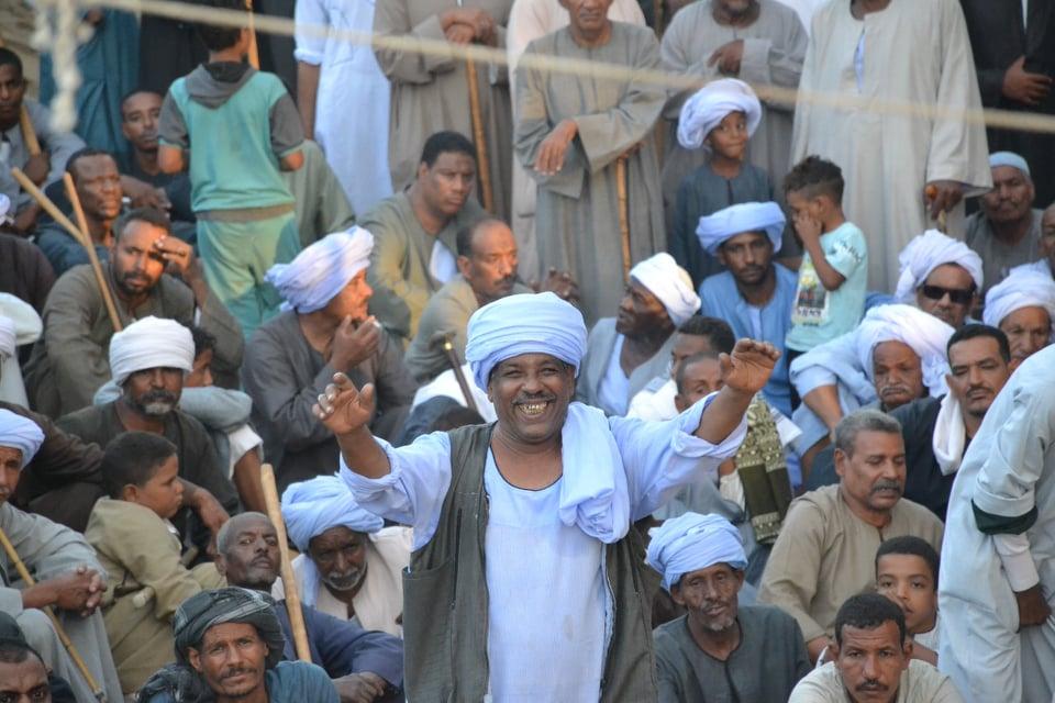 العم حلاوة محكم التحطيب فى قرية الدومارية