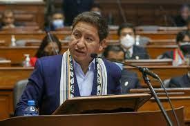 رئيس وزراء البيرو يلوح بتأميم حقل غاز كاميسيا الضخم