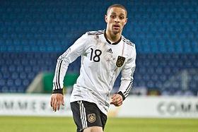 سيدني سام لاعب المنتخب الألمانى السابق يعلن اعتزاله