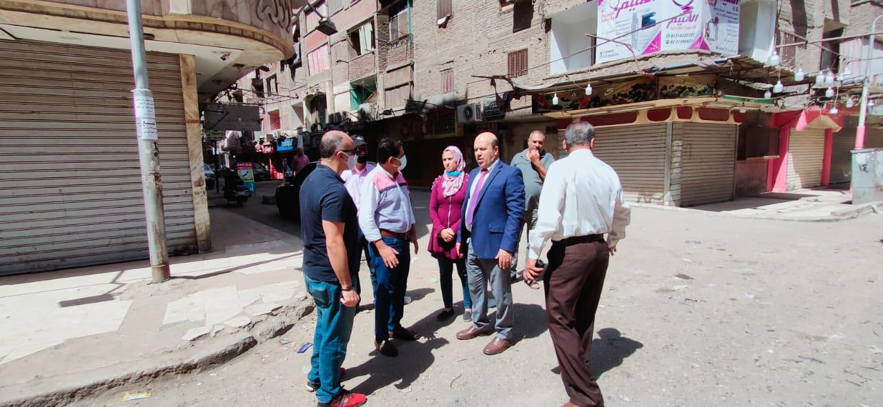 رئيس حي عين شمس تطوير البنية التحتية للشوارع بالتعاون مع الوكالة الألمانية | صور