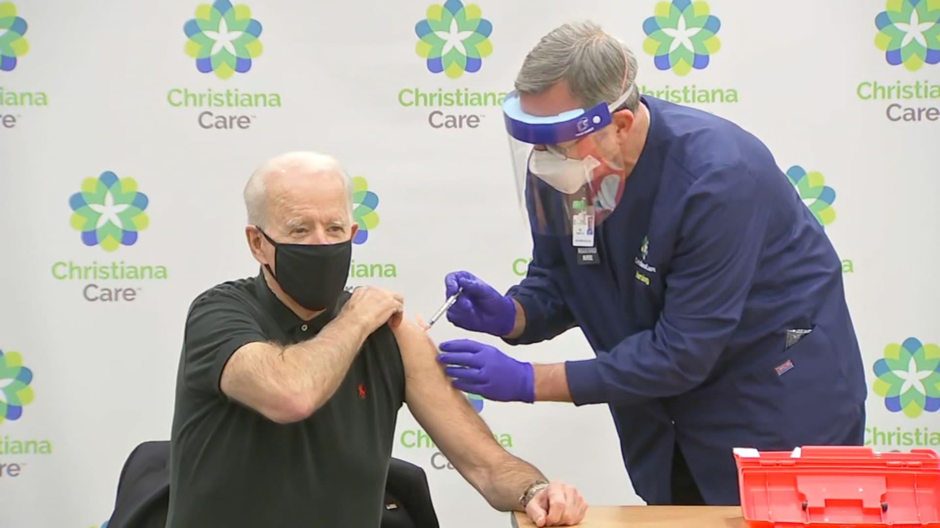 رئيس لجنة مكافحة كورونا اللقاحات تحمي  من مصابي كورونا من الوفيات