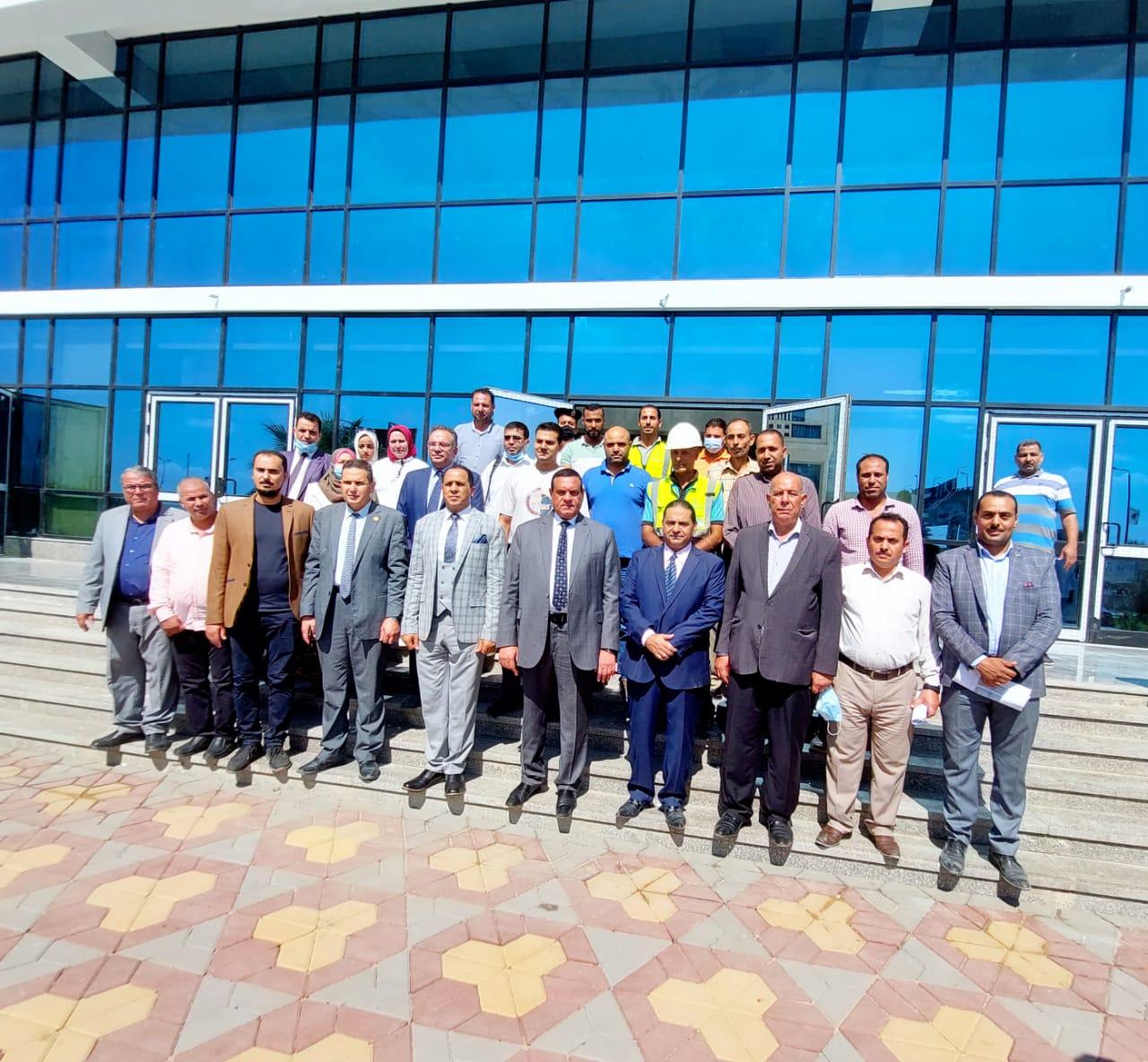 محافظ البحيرة ورئيس جامعة دمنهور خلال جولتهما