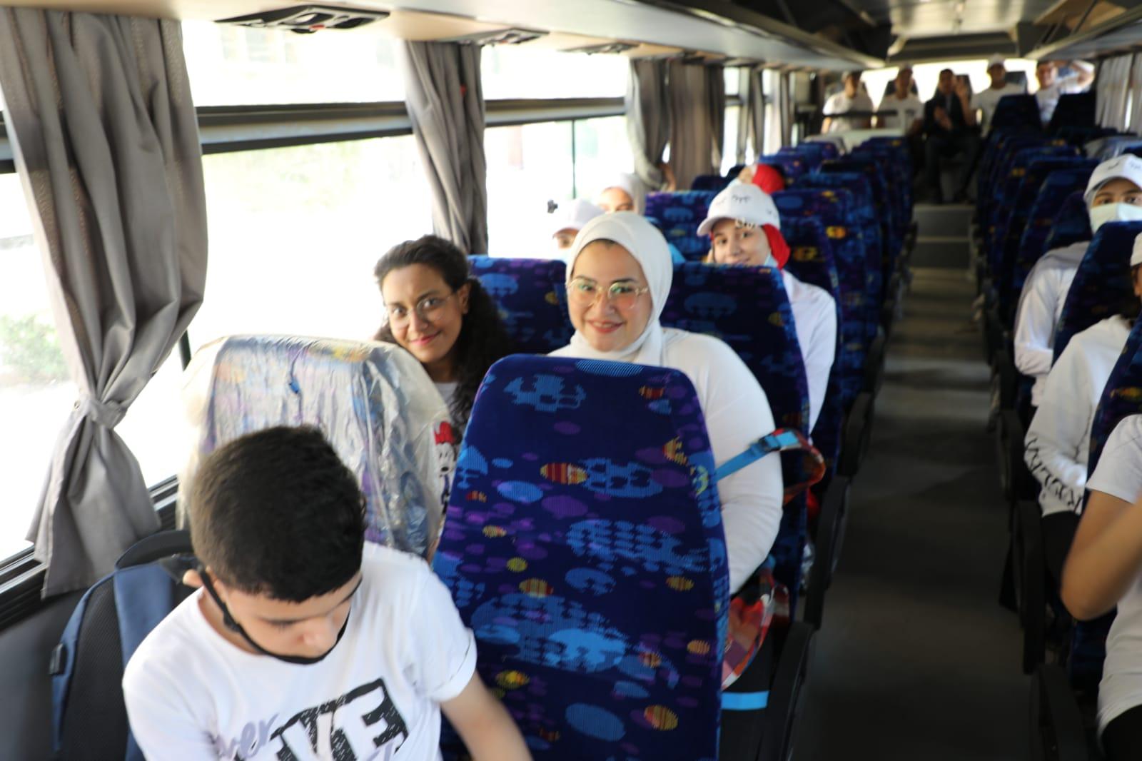 خالد عبدالعال يتفقد رحلة طلابية لأهم المعالم بالقاهرة