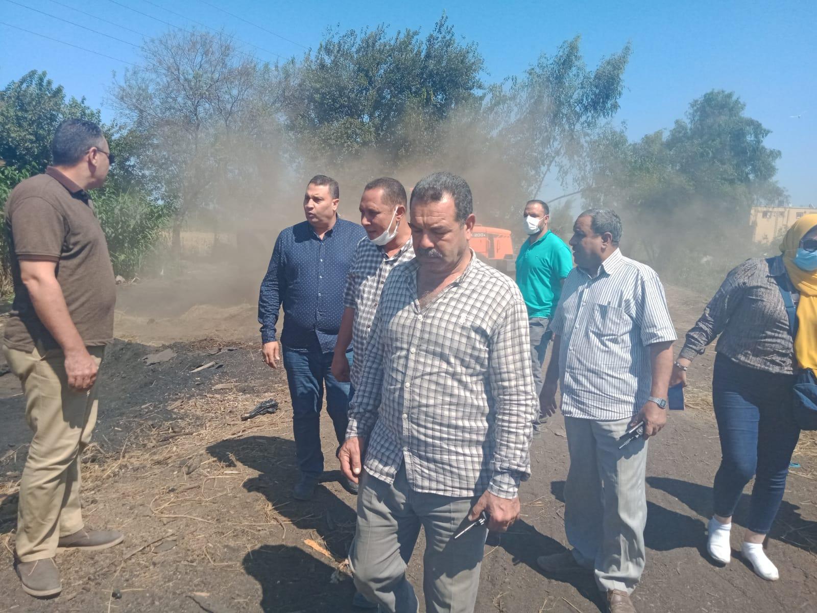 إزالة 25 مكمورة فحم بقرية بكفر الشيخ