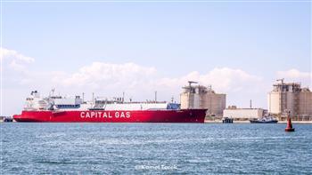 ميناء-دمياط-يستقبل-ناقلة-غاز-لنقل-شحنة-إلى-الصين-