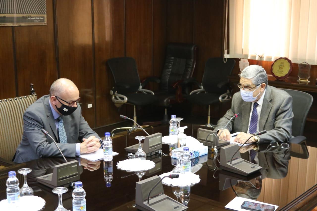وزير الكهرباء وسفير قبرص بالقاهرة يتابعان مشروع الربط بين البلدين
