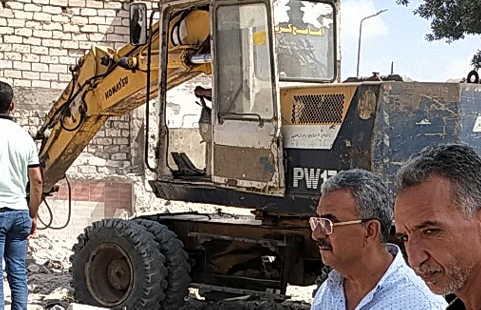 استرداد  ألف متر من أراضي الدولة بالإسكندرية ضمن الموجة الـ  | صور