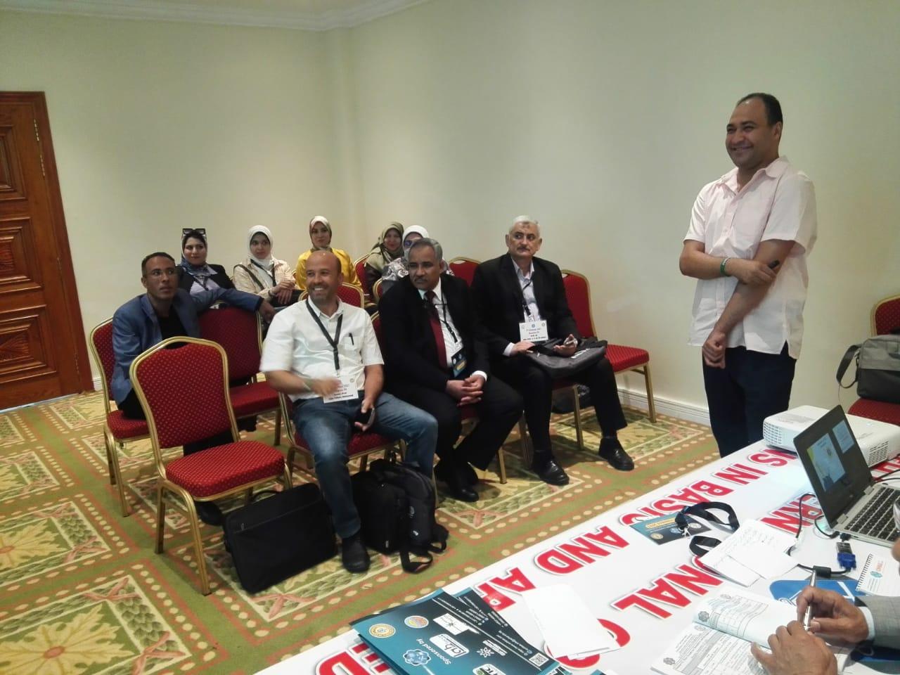 استمرار فعاليات المؤتمر الدولي للآفاق الجديدة فى العلوم الأساسية والتطبيقية بالغردقة   صور