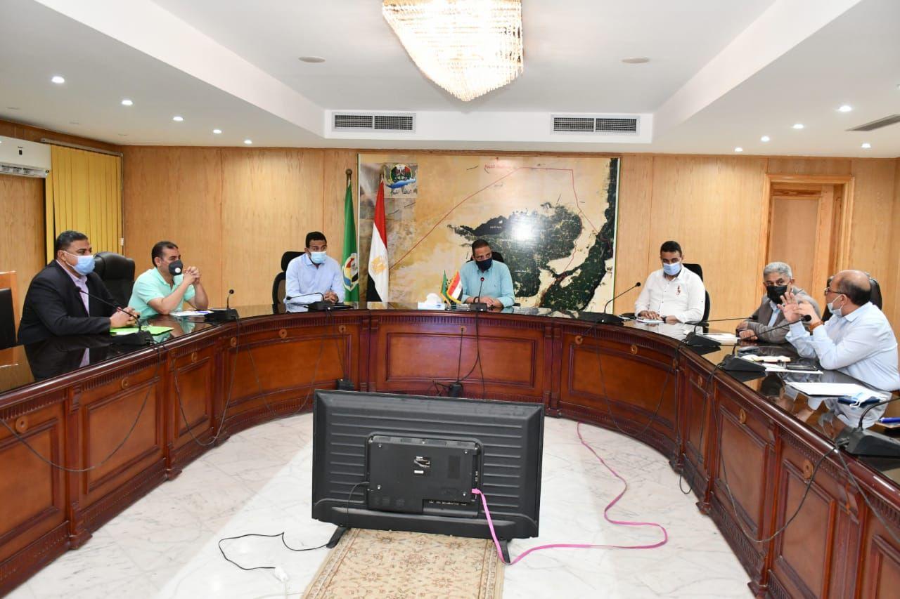محافظ الفيوم يتابع الموقف التنفيذي للمشروعات الخدمية والسياحية بالمدينة