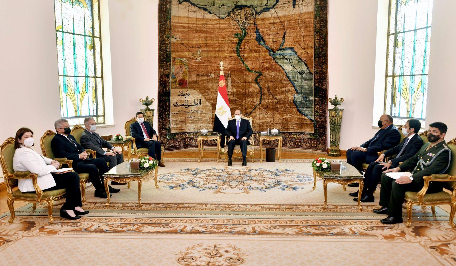 الرئيس السيسي ونائب الرئيس البرازيلي يتفقان على التعاون العسكري والتجاري والاستفادة من فرص الاستثمار بمصر