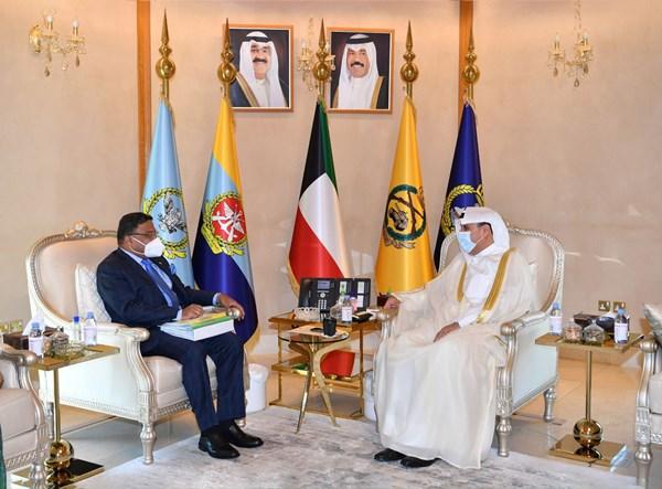 الكويت والهند تبحثان سبل تعزيز التعاون المشترك