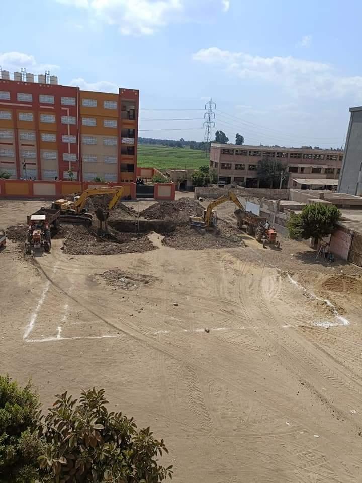 بدء أعمال الحفر بموقع المجمع الزراعي بدراجيل في المنوفية