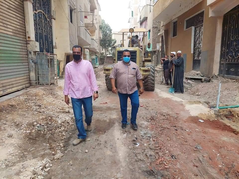 رفع المخلفات بشارع عبد اللطيف زايد بمدينة الباجور بالمنوفية