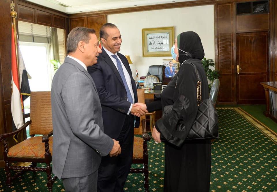 د. نيفين جامع وزيرة التجارة والصناعة مع كرم جبر رئيس المجلس الأعلى للإعلام