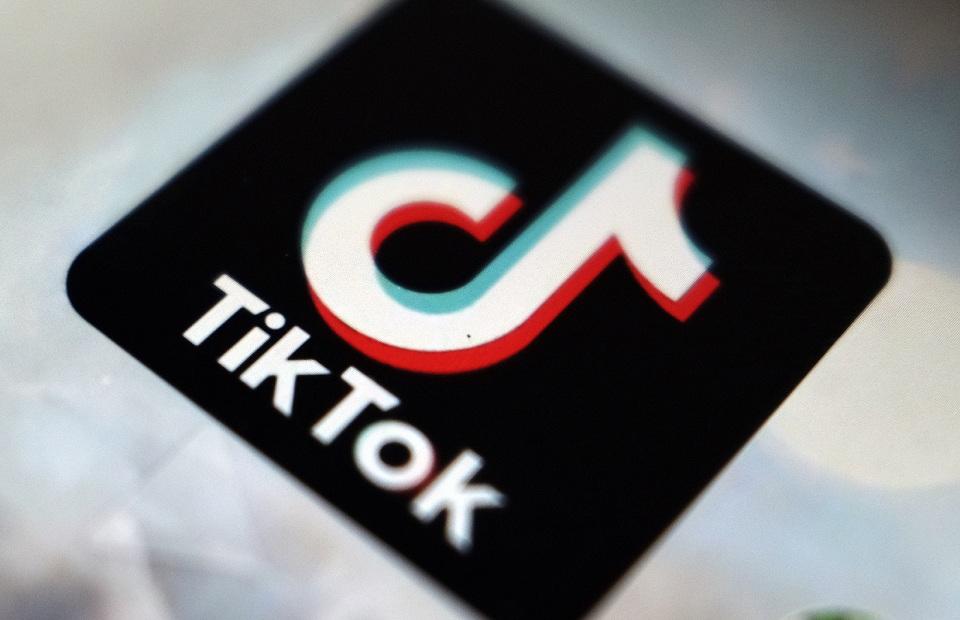 تيك توك  تحذف أكثر من  مليون فيديو لانتهاكها قواعد المنصة