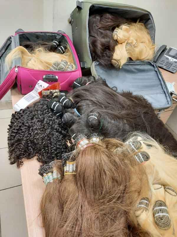 ضبط محاولة تهريب كمية من الشعر الطبيعي
